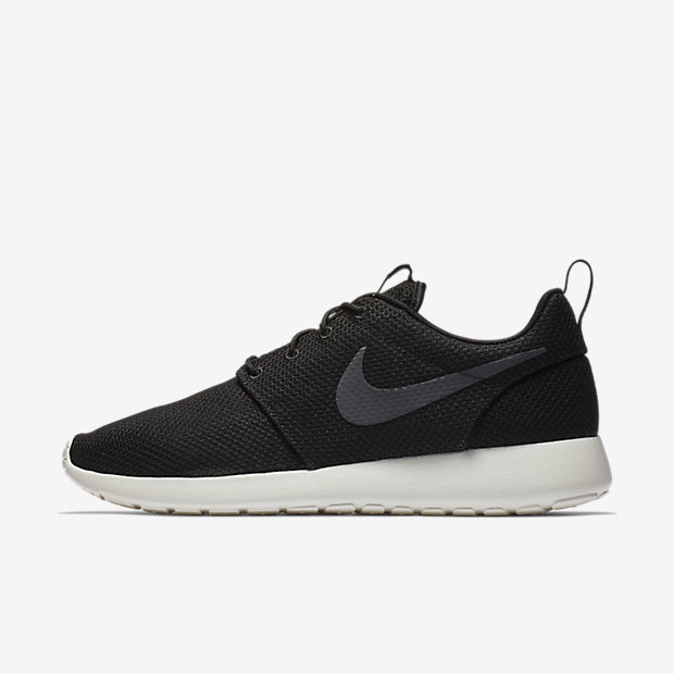 Roshe Run Black