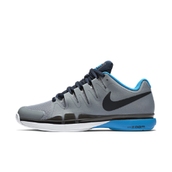 None������� ��������� ��������� NikeCourt Zoom Vapor 9.5 Tour ������ ��������� � ����, ����������� �������� �������, � �� ������������ ����������� ����������� ������� ��� ������ ��������� � ��������.<br>