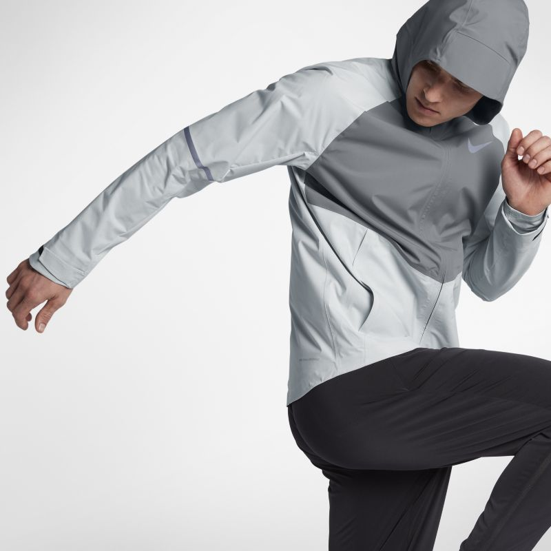 Nike Zonal AeroShield Men's Running Jacket - Silver
