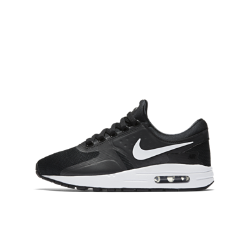 NoneMen<br>Кроссовки для школьников Nike Air Max Zero Essential созданы на основе одного из ранних эскизов модели Air Max. Амортизация Max Air и потрясающе удобная посадка обеспечивают легкость в движении.<br>