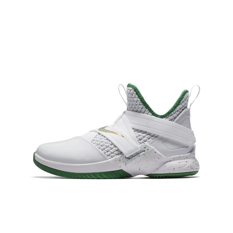 LeBron Soldier XII Older Kids'Basketball Shoe - White