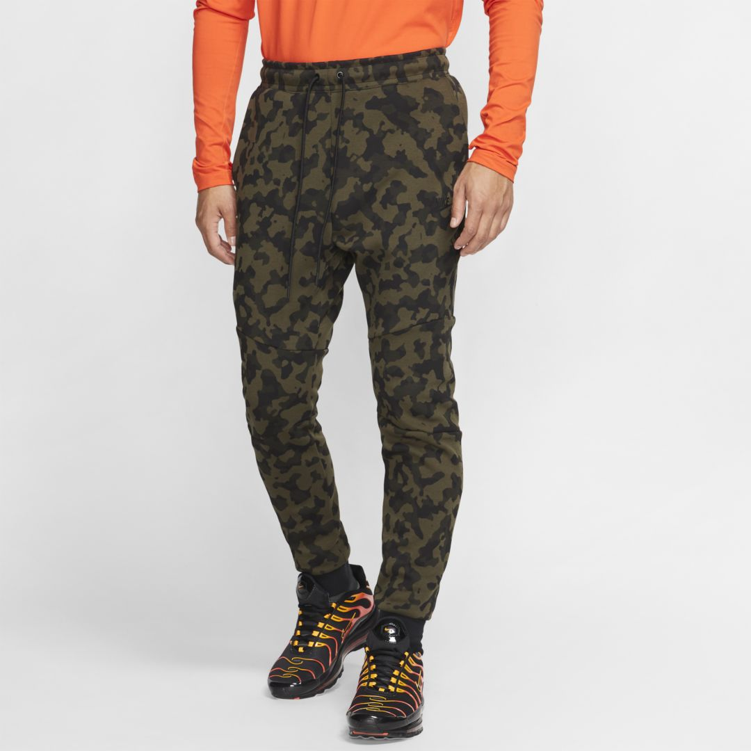 Sportswear Tech Fleece Men's Printed Joggers In Medium Olive