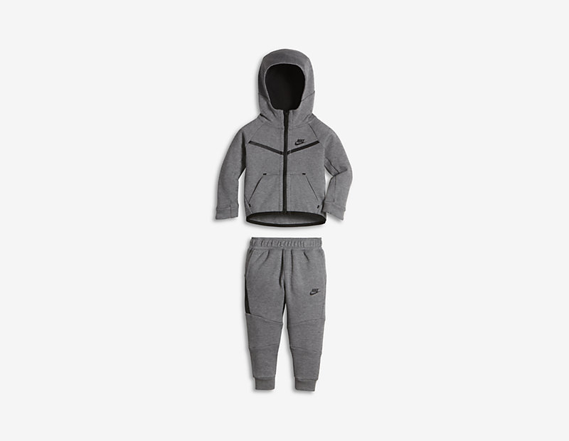 Nike Tech Fleece Two-Piece