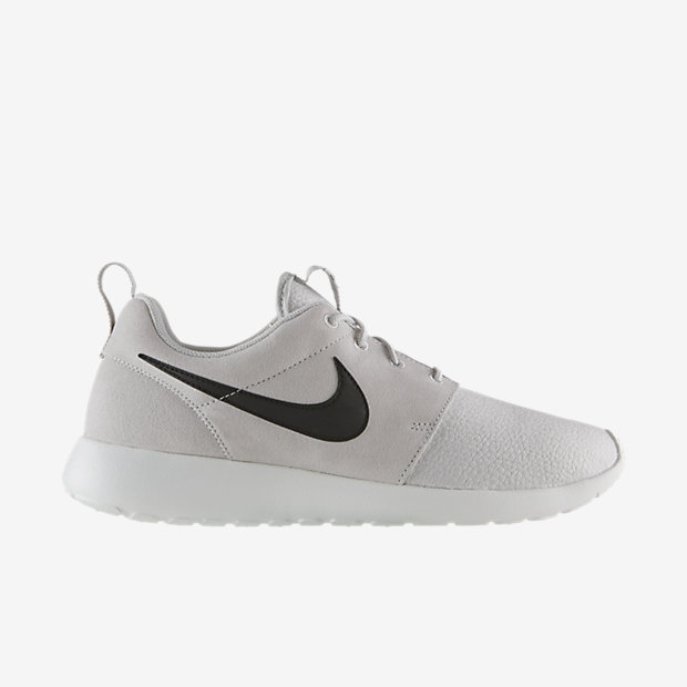 Nike-Roshe-Run-Suede-Mens-Shoe-685280_017_A.jpg