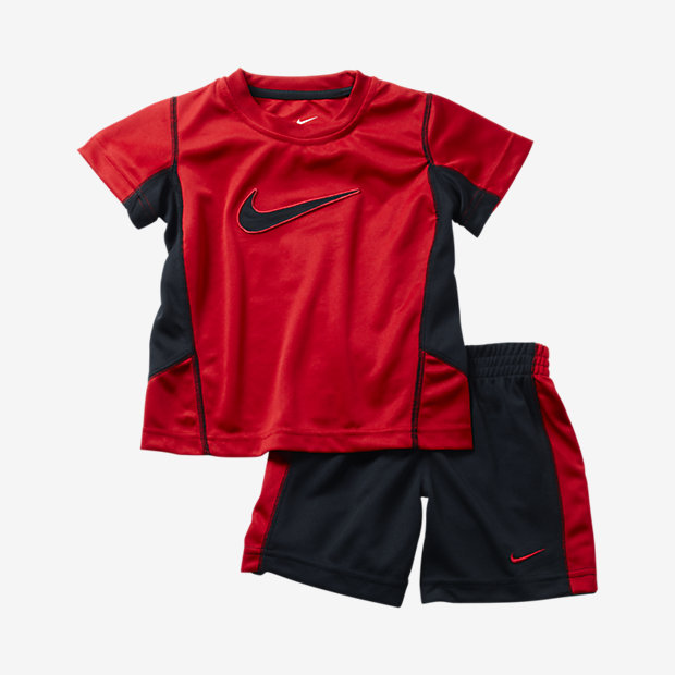 Boys Nike Clothes On Sale | NHS Gateshead