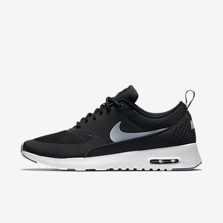 black and white air max thea
