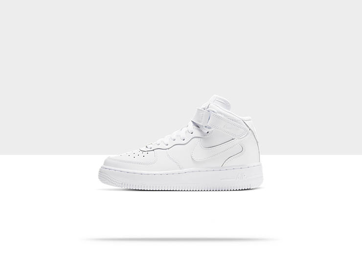 Chaussure Nike Air Force 1 06 mi-montante pour Gar&ccedil;on