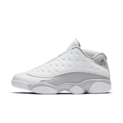 Мужские кроссовки Air Jordan 13 Retro LowМужские кроссовки Air Jordan 13 Retro Low остаются верны традициям благодаря низкому профилю, амортизации в баскетбольном стиле и классическим элементам дизайна.<br>
