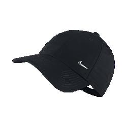 Бейсболка для детей (8–15) Nike Metal Swoosh LogoБейсболка для детей (8–15) Nike Metal Swoosh Logo из мягкой и прочной смесовой ткани состоит из шести панелей и создает спортивный стиль и комфорт. Застежка на кнопках сзади для регулируемой посадки.<br>