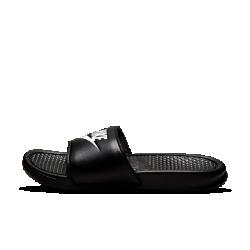Мужские шлепанцы Nike BenassiМужские шлепанцы Nike Benassi обеспечивают мягкость и комфорт благодаря верху с внутренним слоем, а яркий логотип создает образ в спортивном стиле. Цельная подошва из пеноматериала для легкости и защиты от ударных нагрузок.<br>