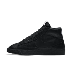 Мужские кроссовки Nike Blazer Mid Premium 09Мужские кроссовки Nike Blazer Mid Premium с легендарным спортивным профилем и эксклюзивным верхом из кожи и текстиля обеспечивают универсальность и комфорт на каждый день.<br>