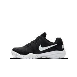 Теннисные кроссовки для школьников NikeCourt City Court 7Прочные теннисные кроссовки для школьников NikeCourt City Court 7 защищают стопу и обеспечивают комфорт на корте благодаря амортизации без утяжеления и гибкой подметке.<br>