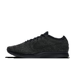 Беговые кроссовки унисекс Nike Flyknit RacerЛегкие беговые кроссовки унисекс Nike Flyknit Racer обеспечивают адаптивную посадку, а особая резиновая подметка создает превосходное сцепление с поверхностью от стартадо финиша.  Легкость и поддержка  Однослойный верх Flyknit плотно прилегает к стопе, обеспечивая превосходную легкость и поддержку.  Адаптивная посадка  Технология Dynamic Flywire повторяет форму стопы для индивидуальной посадки и надежной фиксации.  Непревзойденное сцепление  Резиновая вафельная подметка с ромбовидным рисунком разработана специально для бега и обеспечивает надежное сцепление.<br>