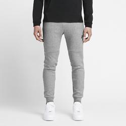 Мужские брюки Nike Tech FleeceМужские брюки Nike Tech Fleece изготовлены из термоматериала, который гарантирует легкость, тепло и удобную посадку.<br>