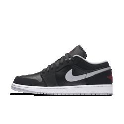 Мужские кроссовки Air Jordan 1 LowМужские кроссовки Air Jordan 1 Low с верхом из перфорированной кожи и амортизирующей подошвой Nike Air — это легендарное сочетание фирменного стиля и комфорта для игры в баскетбол.<br>