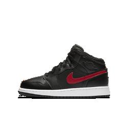 Кроссовки для школьников Air Jordan 1 MidКроссовки для школьников Air Jordan 1 Mid созданы на основе оригинальных Air Jordan 1 с удобным верхом и амортизацией Air-Sole.<br>