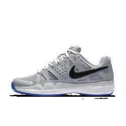 Женские теннисные кроссовки NikeCourt Air Vapor AdvantageЖенские теннисные кроссовки Nike Air Vapor Advantage обеспечивают непревзойденный комфорт и длительную стабилизацию на корте благодаря системе защиты от ударных нагрузок ипрочной резиновой подметке.<br>