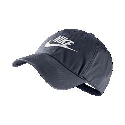 Бейсболка с регулируемой застежкой Nike Heritage 86 FuturaБейсболка с регулируемой застежкой Nike Heritage 86 Futura: шесть панелей из мягкого хлопка с вышитым логотипом для удобной посадки и стильного вида.<br>
