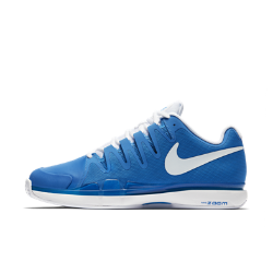 Мужские теннисные кроссовки NikeCourt Zoom Vapor 9.5 Tour ClayМужские теннисные кроссовки NikeCourt Zoom Vapor 9.5 Tour Clay плотно прилегают к стопе, обеспечивая надежную посадку, а их превосходная амортизация создает ощущение комфорта при резких поворотах и спринтах.<br>
