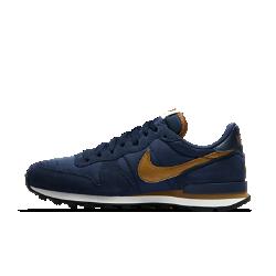 Мужские кроссовки Nike InternationalistВыдержанные в стиле легендарных беговых ретромоделей Nike мужские кроссовки Nike Internationalist с подошвой из пеноматериала обеспечивают легкость и амортизацию.<br>