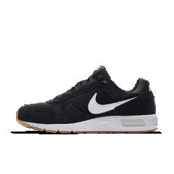 Мужские кроссовки Nike NightgazerМужские кроссовки Nike Nightgazer с комбинированным верхом предстают в образе ретро-моделей для бега, а подошва из материала Phylon обеспечивает амортизацию.<br>