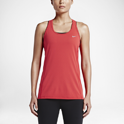 Женская майка для бега Nike Dry ContourЖенская майка для бега Nike Dry Contour обеспечивает комфорт в теплую погоду благодаря воздухопроницаемой влагоотводящей ткани там, где это необходимо.  ОПТИМАЛЬНОЕ ОХЛАЖДЕНИЕ  Вставка из сетки Dri-FIT в области поясницы имеет три различных текстуры — от рыхлой до плотной — и обеспечивает разную степень охлаждения.  КОМФОРТ  Ткань Dri-FIT обеспечивает превосходную воздухопроницаемость и комфорт, отводя влагу с кожи на поверхность ткани, откуда она быстро испаряется.  СВОБОДА ДВИЖЕНИЙ  Эргономичные завернутые швы обеспечивают комфортную посадку, анатомическая конструкция дарит полную свободу движений.<br>