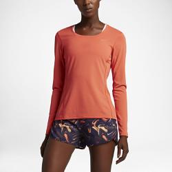 Женская футболка для бега с длинным рукавом Nike Zonal Cooling ContourЖенская футболка для бега с длинным рукавом Nike Zonal Cooling Contour обеспечивает воздухопроницаемость там, где это необходимо, а эргономичный крой обеспечивает комфорт налюбой дистанции.  ОПТИМАЛЬНОЕ ОХЛАЖДЕНИЕ  Вставка из сетки Dri-FIT в области поясницы имеет три различных текстуры — от рыхлой до плотной — и обеспечивает разную степень охлаждения.  СВОБОДА ДВИЖЕНИЙ  Эргономичные завернутые швы обеспечивают комфортную посадку, анатомическая конструкция дарит полную свободу движений.  КОМФОРТ  Ткань Dri-FIT обеспечивает превосходную воздухопроницаемость и комфорт, отводя влагу с кожи на поверхность ткани, откуда она быстро испаряется.<br>