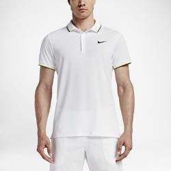 Мужская теннисная рубашка-поло NikeCourtМужская теннисная рубашка-поло NikeCourt с классическим силуэтом выполнена из мягкой влагоотводящей ткани. Специальное покрытие защищает от ультрафиолетового излучения в зонах, закрытых футболкой.<br>