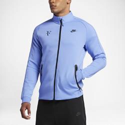 Мужская теннисная куртка NikeCourt Roger FedererМужская теннисная куртка NikeCourt Roger Federer из инновационной флисовой ткани с воротником-стойкой обеспечивает защиту от холода без утяжеления до и после матча.<br>