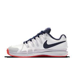 Женские теннисные кроссовки NikeCourt Zoom Vapor 9.5 Tour ClayЖенские теннисные кроссовки NikeCourt Zoom Vapor 9.5 Tour Clay с легкой конструкцией и удобной посадкой созданы для скоростной игры на грунтовом корте. Система амортизации Nike ZoomAir обеспечивает упругость и защиту от ударных нагрузок, помогая продолжать движение.<br>