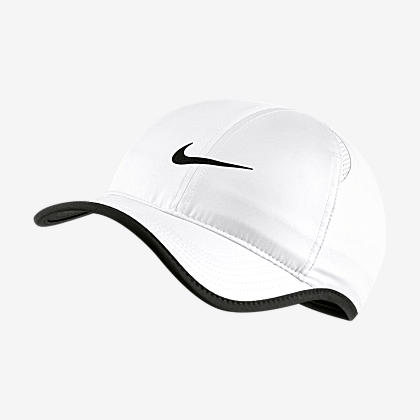 2ca41b4cc17 NikeCourt AeroBill Women s Tennis Visor. Nike.com CH
