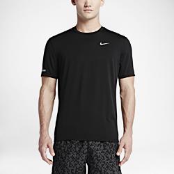 Мужская беговая футболка с коротким рукавом Nike Dry ContourМужская беговая футболка с коротким рукавом Nike Dry Contour обеспечивает вентиляцию в зонах повышенного тепловыделения, а влагоотводящая ткань создает ощущение прохлады и комфорта на всей дистанции.<br>
