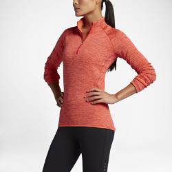 Женская беговая футболка с длинным рукавом Nike Therma Sphere ElementЖенская беговая футболка с длинным рукавом Nike Therma Sphere Element из легкой ткани удерживает тепло и обеспечивает вентиляцию, позволяя избежать перегрева.  Тепло  Ткань Nike Sphere удерживает выделяемое телом тепло и выводит влагу на поверхность ткани, обеспечивая комфорт в холодную погоду.  Идеальная посадка  Молния до середины груди позволяет регулировать вентиляцию во время разминки и заминки.  Свобода движений  Рукава покроя реглан обеспечивают свободу движений на всей дистанции.<br>