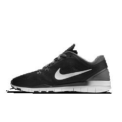 Женские кроссовки для тренинга Nike Free TR 5Женские кроссовки для тренинга Nike Free TR 5 с легким верхом и невероятно гибкой подошвой обеспечивают плотную посадку при любых быстрых движениях. Это идеальная обувьдля силовых и кардиотренировок в зале.  Естественная гибкость  Шестигранные эластичные желобки, вырезанные с помощью ножевидного инструмента в подошве, образуют шесть точек гибкости, способствующих естественным движениям стопы.  Всесторонняя фиксация  Прессованный пеноматериал повторяет форму пятки и фиксирует расположение стопы на стельке, обеспечивая надежную удобную посадку.  Технология Dynamic Support  Нити Flywire плотно обхватывают стопу и обеспечивают поддержку и стабилизацию, позволяя быстро менять направление движения и ни на что не отвлекаться, какой бы интенсивной ни была ваша тренировка.<br>