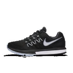 Женские беговые кроссовки Nike Air Zoom Vomero 10Женские беговые кроссовки Nike Air Zoom Vomero 10 — это идеальное сочетание мягкой, но эффективной амортизации благодаря легким вставкам Nike Zoom Air и новому сверхмягкому пеноматериалу Lunarlon.  Эффективная амортизация  Вставка Nike Zoom Air в области пятки и носка гарантирует легкую и эффективную амортизацию всей стопы для быстрого бега.  Мягкость  Легкость пеноматериала Lunarlon для непревзойденного комфорта. Увеличенная плотность в задней части стопы и мягкость в передней части обеспечивают плавный переход спятки на носок.  Воздухопроницаемость  Верх Flymesh гарантирует комфорт, воздухопроницаемость и поддержку в нужных местах.<br>