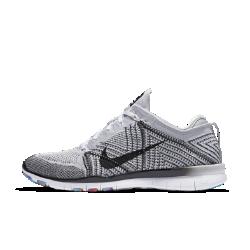Женские кроссовки для тренинга Nike Free TR 5 FlyknitЖенские кроссовки для тренинга Nike Free TR 5 Flyknit с новым легким верхом Flyknit адаптируются к форме стопы, обеспечивая надежную посадку для кардио-, силовых тренировок и других упражнений в зале, для которых необходима гибкость и поддержка.<br>