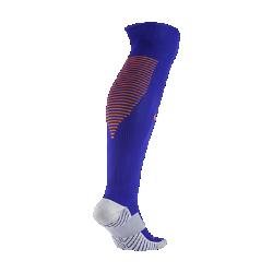 Футбольные носки 2016 Netherlands Stadium Home/AwayФутбольные носки 2016 Netherlands Stadium Home/Away изготовлены из ткани Dri-FIT. Облегание свода стопы обеспечивает функциональный комфорт и поддержку.<br>