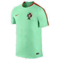 Мужская игровая футболка Portugal Flash TrainingМужская игровая футболка Portugal Flash Training из влагоотводящей ткани со вставками из дышащей сетки защищает от влаги и дарит комфорт на поле и за его пределами. Фирменныедетали и клубные цвета демонстрируют преданность любимой команде.<br>