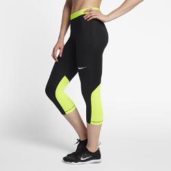 Женские капри для тренинга Nike Pro 54,5 смЖенские капри для тренинга Nike Pro 54,5 см со вставками из сетки и компрессионной посадкой обеспечивают вентиляцию и свободу движений.<br>
