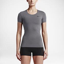 Женская футболка для тренинга с коротким рукавом Nike ProЖенская футболка для тренинга с коротким рукавом Nike Pro из эластичной влагоотводящей ткани с сетчатой вставкой на спине обеспечивает прохладу и комфорт во время тренировок.<br>