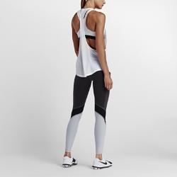 Женский топ для тренинга Nike Flow GraphicЖенский топ для тренинга Nike Flow Graphic свободного кроя — идеальная модель для сочетания с другими элементами одежды. Топ отводит влагу, гарантирует воздухопроницаемость и комфорт, а также обеспечивает полную свободу движений во время тренировки.  Защита от влаги и воздухопроницаемость  Невероятно легкая ткань Dri-FIT обеспечивает прохладу и комфорт, отводя влагу на поверхность ткани, где она быстро высыхает. Сетка Power Mesh на бретелях и в области поясницы усиливает вентиляцию.  Свобода движения  Широкие проймы, увеличенная Т-образная спина и свободный крой обеспечивают полную свободу движений в тренажерном зале или на занятиях аэробикой.<br>