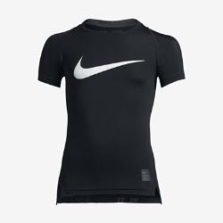 Футболка для мальчиков школьного возраста Nike Pro HyperCool CompressionФутболка для мальчиков школьного возраста Nike Pro HyperCool Compression из эластичной влагоотводящей ткани с эргономичными швами обеспечивает комфорт и удобную посадку, не ограничивая движений.Сетчатые вставки обеспечивают дополнительную вентиляцию во время тренировок и на соревнованиях.<br>