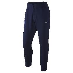 Мужские брюки England Authentic V442 French TerryМужские брюки England Authentic V442 French Terry, изготовленные из чистого хлопка и снабженные ластовицей, обеспечивают естественную свободу движений после игры и на трибунах. Заметная эмблема демонстрирует преданность национальной сборной.<br>
