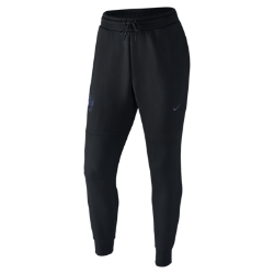 Мужские брюки FFF Tech FleeceМужские брюки FFF Tech Fleece созданы из теплой воздухопроницаемой ткани, которая гарантирует комфорт и теплоизоляцию без утяжеления. Логотип команды на штанине — дань уважения мастерству игроков.<br>