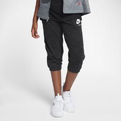 Капри для девочек школьного возраста Nike Sportswear Gym VintageКапри для девочек школьного возраста Nike Sportswear Gym Vintage из невероятно мягкой смесовой ткани на основе хлопка с широким эластичным поясом обеспечивают комфорт на каждый день<br>