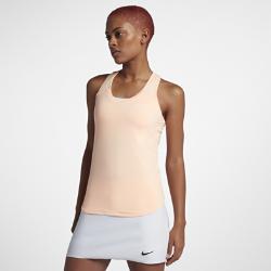 Женский теннисный топ NikeCourt Team PureЖенский теннисный топ NikeCourt Team Pure обеспечивает комфорт и абсолютную свободу движений во время игры благодаря очень мягкой влагоотводящей ткани и Т-образной спине.Двухслойный перед для дополнительной поддержки и изогнутая нижняя кромка для создания женственного образа.<br>