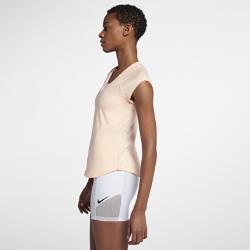Женская теннисная футболка NikeCourt PureЖенская теннисная футболка NikeCourt Pure из невероятно мягкой дышащей ткани обеспечивает свободу движений на корте.<br>