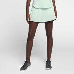 Теннисная юбка NikeCourt VictoryТеннисная юбка NikeCourt Victory обеспечивает функциональную поддержку и комфорт в классическом силуэте.  Воздухопроницаемость  Контурный пояс с сеткой для зональной вентиляции.  Эластичный комфорт  Эластичная влагоотводящая ткань не сковывает движения.  Поддержка и защита  Вшитые компрессионные шорты обеспечивают защиту без утяжеления.<br>