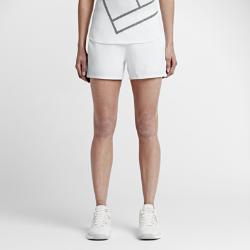 Женские шорты для тенниса NikeCourt BaselineЖенские шорты для тенниса NikeCourt Baseline с плотной и эластичной посадкой позволяют свободно двигаться и играть в полную силу.  Свобода движений  Эластичная ткань облегает тело, а нижняя кромка с разрезами не стесняет свободы движений.  Надежная посадка  Широкий эластичный пояс с сеткой для воздухопроницаемости обеспечивает надежную посадку, чтобы ничто не отвлекало тебя от игры.  Комфорт  Технология Dri-FIT обеспечивает превосходную воздухопроницаемость и комфорт, выводя влагу на поверхность ткани и позволяя коже дышать.<br>