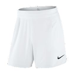 Мужские теннисные шорты NikeCourt Flex Gladiator 18 смЭластичные мужские теннисные шорты NikeCourt Flex Gladiator 18 см не стесняют движений, чтобы ты мог двигаться максимально быстро. Зональная перфорация усиливает вентиляцию идарит приятное ощущение прохлады во время интенсивных матчей.  Сконцентрируйся на тренировке  Эластичная ткань тянется во всех направлениях и не стесняет движений при любых стойках и на любой скорости, так что ничто не будет отвлекать от игры.  Охлаждение  Лазерная перфорация и эластичный пояс с сетчатой подкладкой обеспечивают воздухопроницаемость и оптимальное охлаждение раунд за раундом.  Комфорт  Легкая смесовая ткань Dri-FIT дарит комфорт, отводя влагу от кожи на поверхность ткани, где она быстро испаряется.<br>